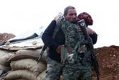 Nữ chiến binh bất ngờ gặp cha trên chiến trường chống IS