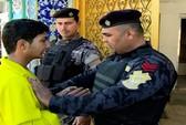 Thiếu niên giả làm cảm tử quân thoát khỏi IS