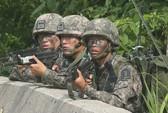 Hai lính nghĩa vụ Hàn Quốc treo cổ tự tử