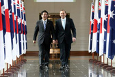 """Nhật Bản thắt chặt """"quan hệ đặc biệt"""" với Úc"""