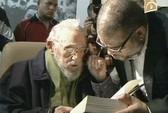 Ông Fidel Castro xuất hiện sau 9 tháng vắng bóng