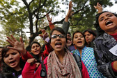 Ấn Độ: Xử 13 bị cáo hiếp dâm thiếu nữ 20 tuổi