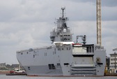 Pháp ngưng bàn giao tàu chiến cho Nga