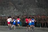 Chuyện lạ ở Triều Tiên: Mở cửa cho người ngoài vào thi marathon