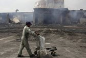 Pakistan: Máy bay chở 178 khách bị nã đạn từ mặt đất