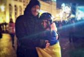 Chuyện tình trong biểu tình Ukraine khiến thế giới rung động