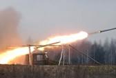 Đoàn xe tị nạn ở Đông Ukraine trúng tên lửa