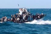 Cứu hộ 300 người gặp nạn trên Địa Trung Hải