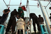 Iran treo cổ 16 phần tử nổi loạn