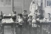 Bí mật thử nghiệm vắc-xin trên hơn 2000 trẻ mồ côi