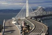Mỹ trả giá đắt vì thuê công ty Trung Quốc xây cầu