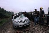 Tàu hỏa tông ô tô, 2 lãnh đạo công an tử vong