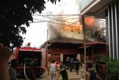Cháy nhà sàn bằng gỗ ở Điện Biên