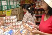 Xăng dầu kéo giá thịt, trứng gia cầm đồng loạt giảm giá