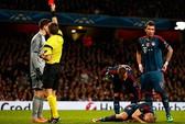 Arsenal lại ôm hận