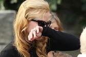 Nicole Kidman rơi lệ tiễn biệt cha
