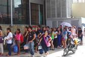 Siêu bão Hagupit giam lỏng hơn 2.000 du khách
