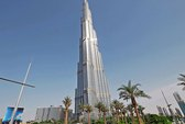 Dọa cắt thang máy ở tòa nhà cao nhất thế giới