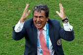 """Mourinho"" Costa Rica mơ xa"