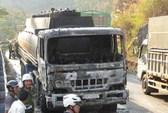 Xe chở 32.000 lít xăng dầu bốc cháy trên đèo Bảo Lộc