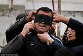 Iran: Cô dâu nhỏ bị treo cổ vì giết chồng