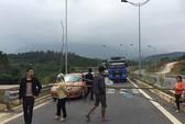 Người dân lại chặn đường cao tốc Nội Bài - Lào Cai