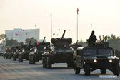 Quân đội không rút xe bọc thép khỏi Bangkok