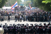 Quân đội Thái phủ nhận bắn cảnh sát