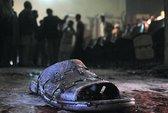 Rạp phim khiêu dâm bị ném lựu đạn, 12 người chết