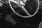 """""""Quái xế"""" lái xe bằng chân 160.000 km"""