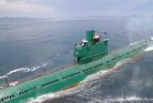 Kim Jong-un cưỡi tàu ngầm rỉ sét