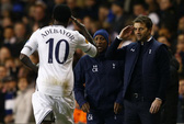 Adebayor lập công, Tottenham tỏa sáng ở Europa League