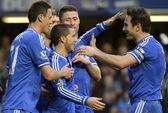 Hazard lập hat-trick, Chelsea tiến chiếm ngôi đầu