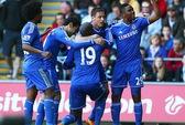 Demba Ba tỏa sáng, Chelsea thách thức Liverpool