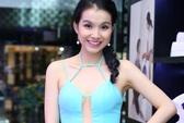 Hoa hậu Thùy Lâm trong bộ váy sexy