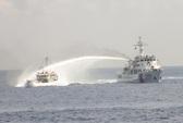 Kiểm ngư giáng trả cuộc tấn công vòi rồng của Trung Quốc