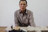 Giấu 6 bánh heroin trong hành lý, vượt biên sang Trung Quốc