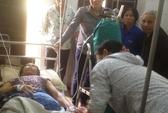 Nữ công nhân bị cuốn chân vào máy làm gạch