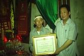 Truy tặng Bằng khen trưởng thôn tử vong khi chữa cháy rừng