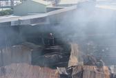 TP HCM: Cháy lớn, thiêu rụi xưởng gỗ rộng hơn ngàn mét vuông