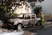 Sau tiếng động lạ, xe tải cháy trơ khung lúc rạng sáng