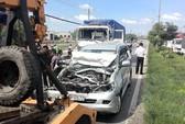 Xe tải tông liên hoàn 6 ô tô khi chờ đèn đỏ