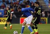 World Cup 2014: Tuyển Ý vừa đá bóng vừa được mát-xa!