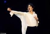 """Michael Jackson bị tố """"ở dơ nhất Hollywood"""""""