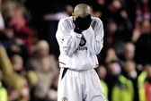 Ngày Tặng quà: M.U may mắn, Aston Villa bị ám