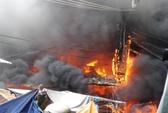 Cháy chợ Sông Cầu, tiểu thương chạy tán loạn
