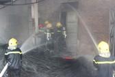 Cháy lớn thiêu rụi ống nước tại công ty cấp nước Hà Tĩnh