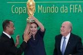 Cúp vàng đã đến Brazil, World Cup 2014 sắp bắt đầu