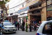 Hà Nội: Phạt người dừng xe lòng đường, vỉa hè mua bán hàng hóa
