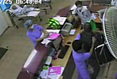 Xông vào bệnh viện Bạch Mai đánh bác sĩ trực cấp cứu